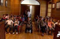 Escolares pozoalbenses visitan el Ayuntamiento con motivo del Día de la Constitución